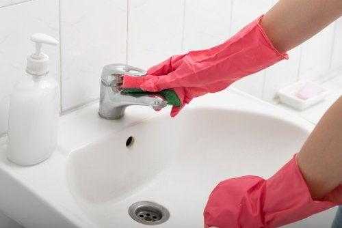 Errores al desinfectar el baño