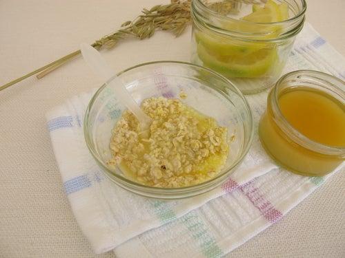 Jugo de limón, miel y avena