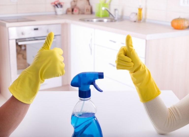 La mejor forma de desinfectar el baño de tu casa