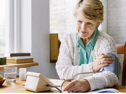 Midiendo la presión arterial en casa