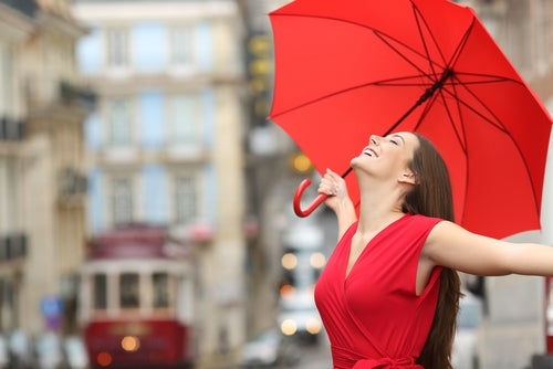 El color rojo aumenta tu atractivo