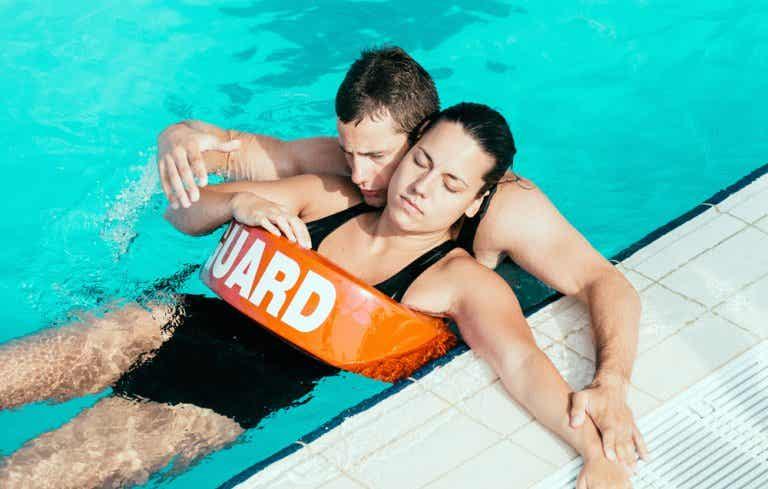 Síntomas de ahogamiento después de nadar