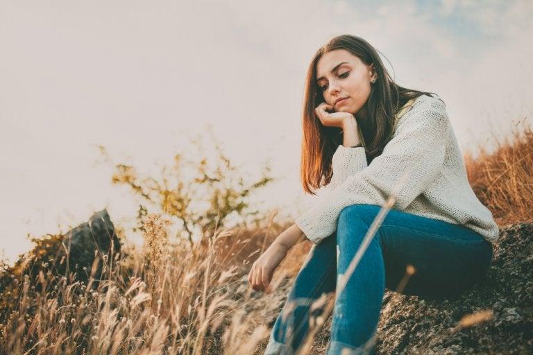 ¿Se puede superar la tristeza con alimentos y remedios naturales?