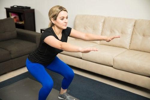 Sentadilla búlgara para los músculos de las piernas