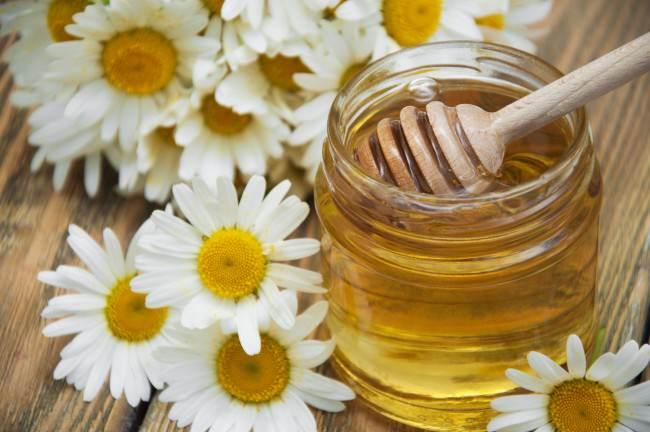 aclarar manzanilla y miel