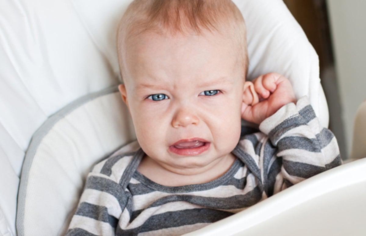 como calmar un dolor de oido en un niño