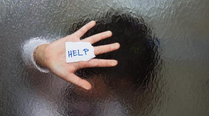 mano-con-papel-pidiendo-ayuda