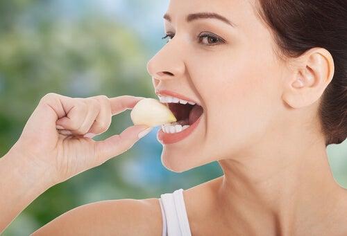 comer ajo en ayunas