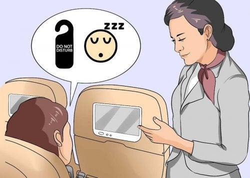 9 trucos para aquellos que no pueden quedarse dormidos en un avión