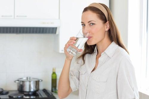 Consumir abundante agua