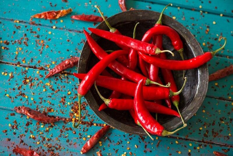 Alimentos para reducir el apetito: chiles rojos