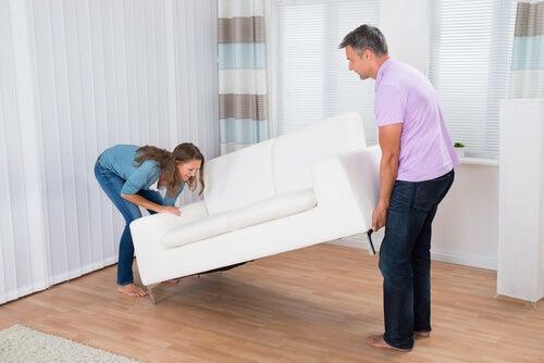Compra algunos muebles
