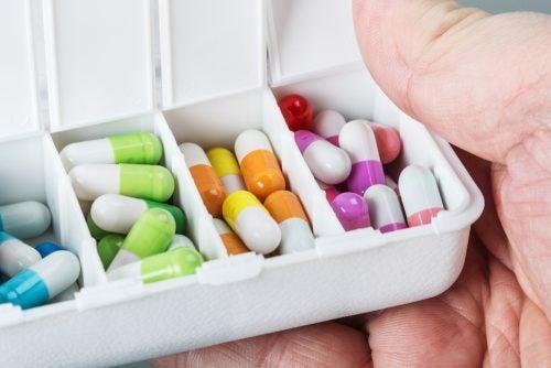 Ejemplos de antidepresivos tricíclicos.