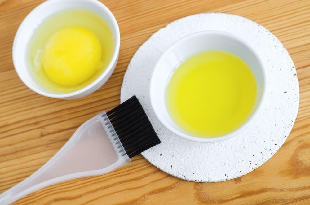 Mascarilla de huevo para el cabello ondulado