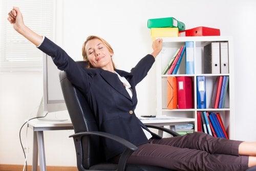 Ejercicios fáciles para hacer en el trabajo