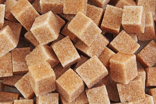 azúcar moreno mejor que el blanco