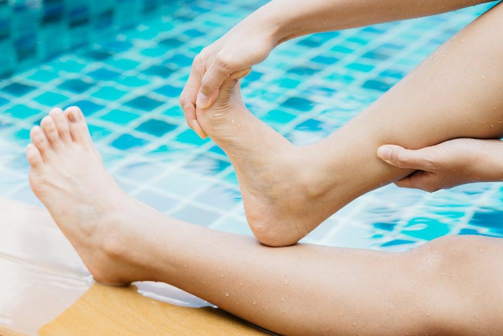Flexiona los dedos de los pies