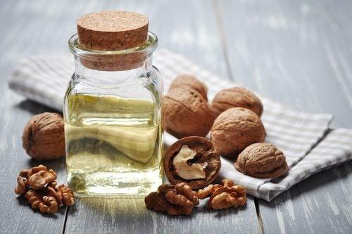 6 mascarillas con aceite de nuez para cuidar la piel