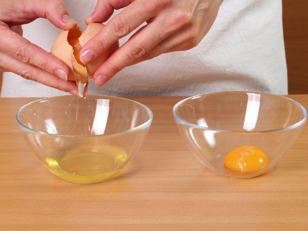 Clara de ovo ajuda a evitar a queda de cabelo