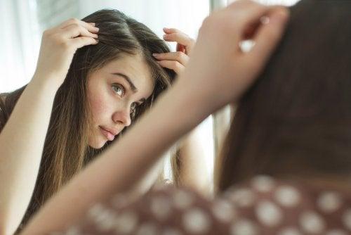 Por qué hay dolores en el cuero cabelludo