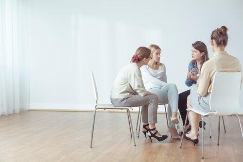 Psicoterapia y grupos de apoyo