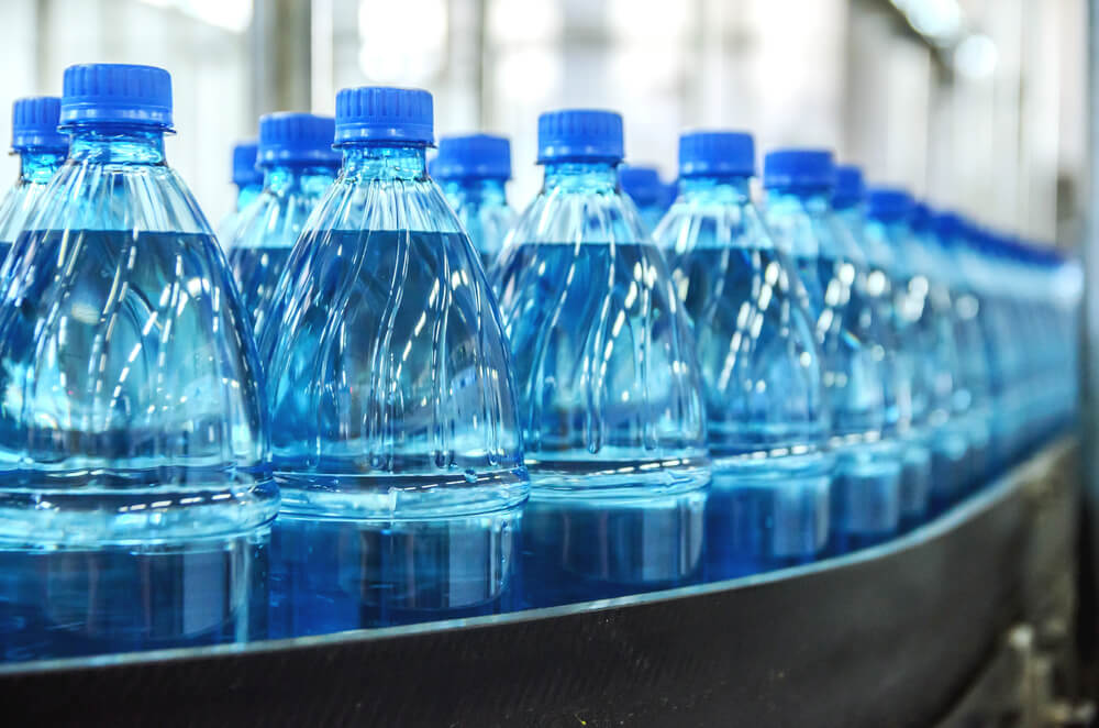 Tipos de agua mineral embotellada