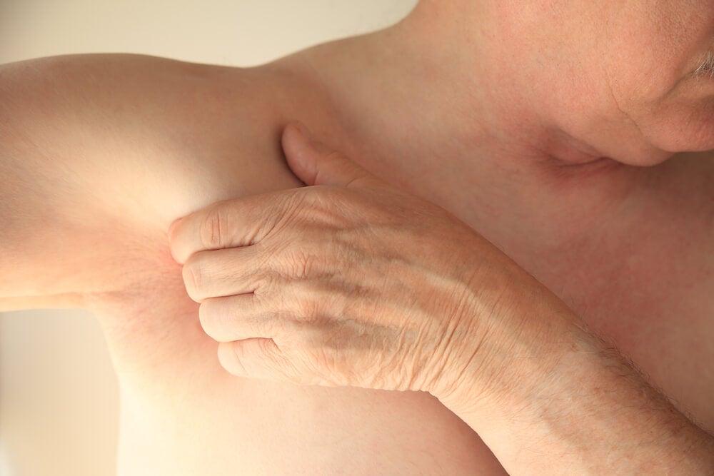 Tirón muscular en la axila