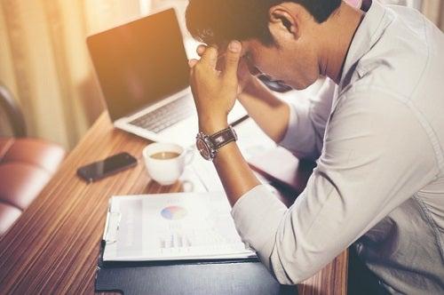 El ambiente laboral contribuye al desarrollo de ansiedad y de estrés