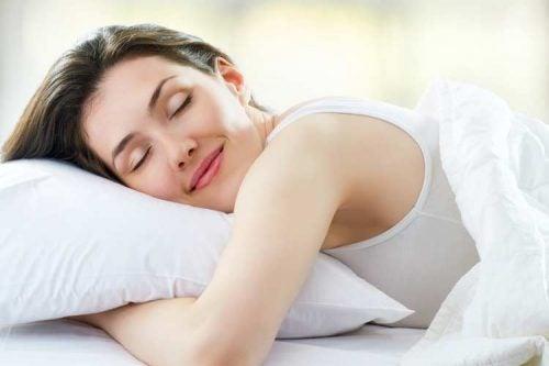 Técnicas para dormir mejor: atiende a tus ciclos de sueño