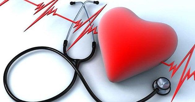 Corazón con estetoscopio.