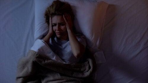 Dolor de cabeza nocturno: ¿a qué se debe este trastorno?