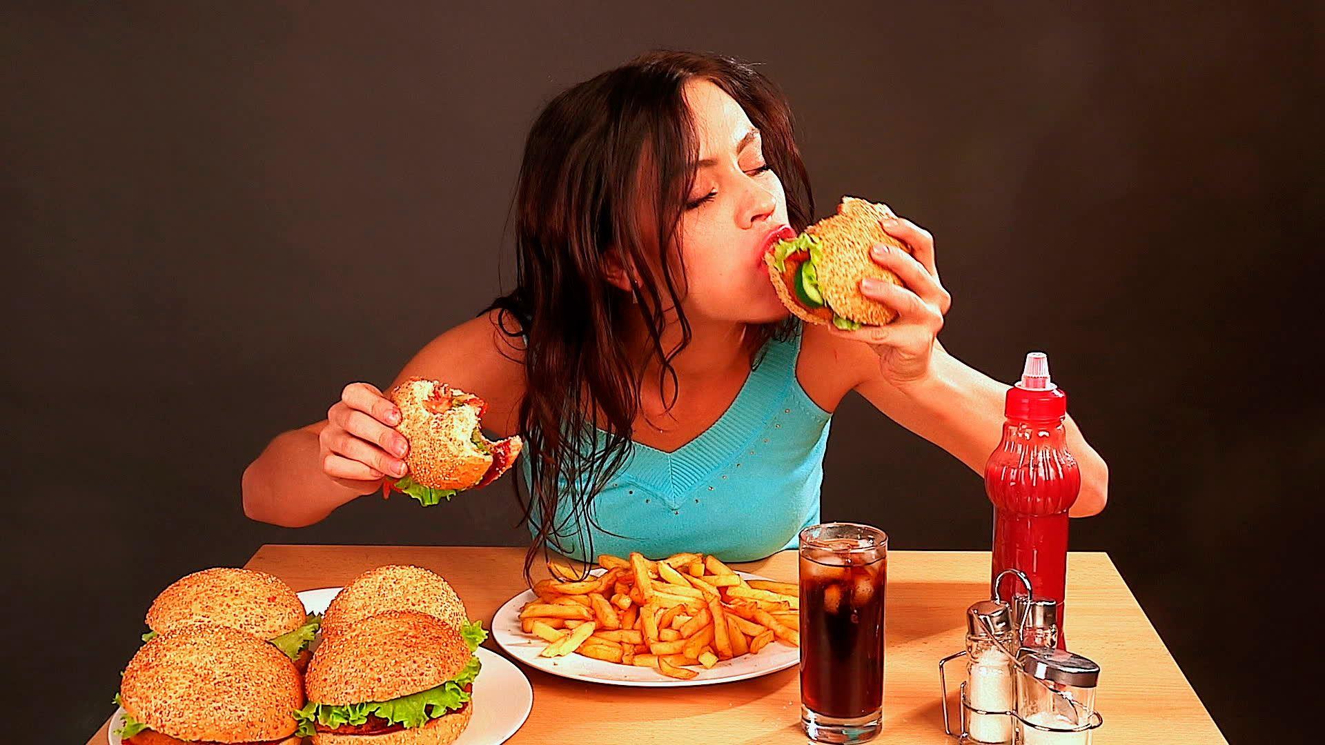 Hambre es causada por la abstinencia, uno de los trastornos por consumo de nicotina