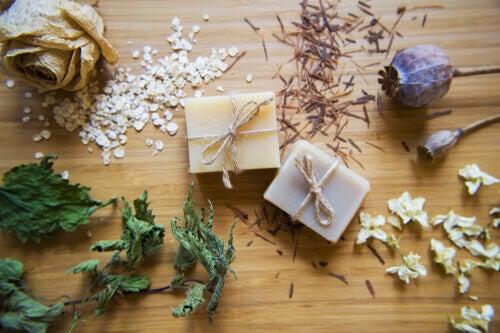 ¿Cómo preparar este jabón artesanal de avena y miel para hidratar la piel?