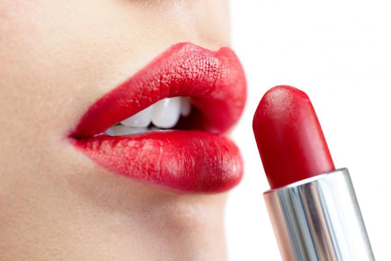 Lápiz de labios rojo