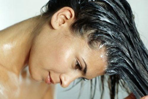 Mascarilla de huevo para acelerar el crecimiento del cabello