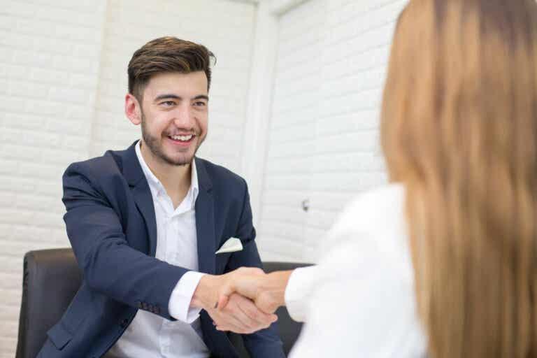 Lenguaje corporal: 7 claves para mejorar tu seguridad y convencer a los demás