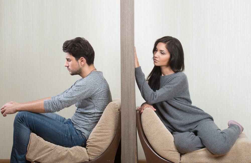 mujer-insistiendo-relacion