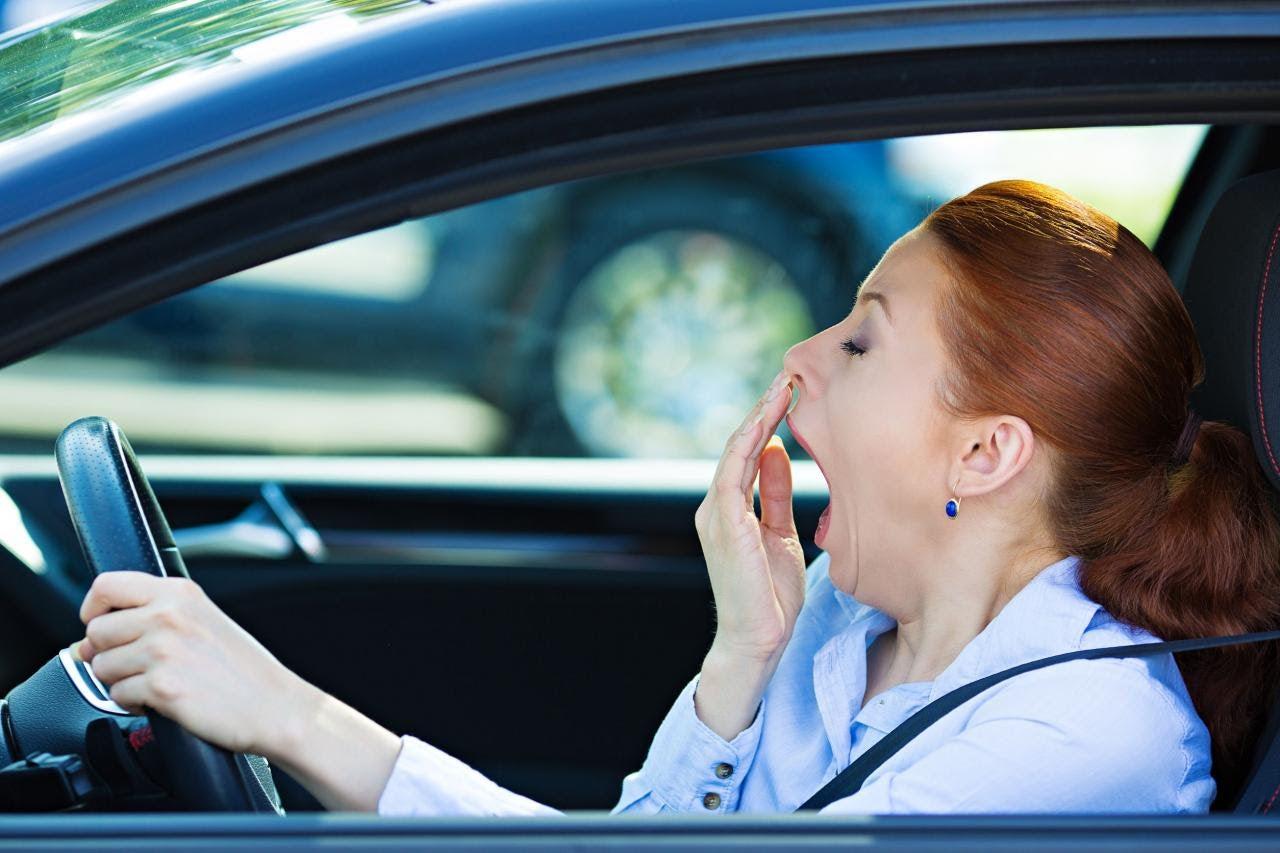 Dormir poco aumenta el riesgo de accidentes.