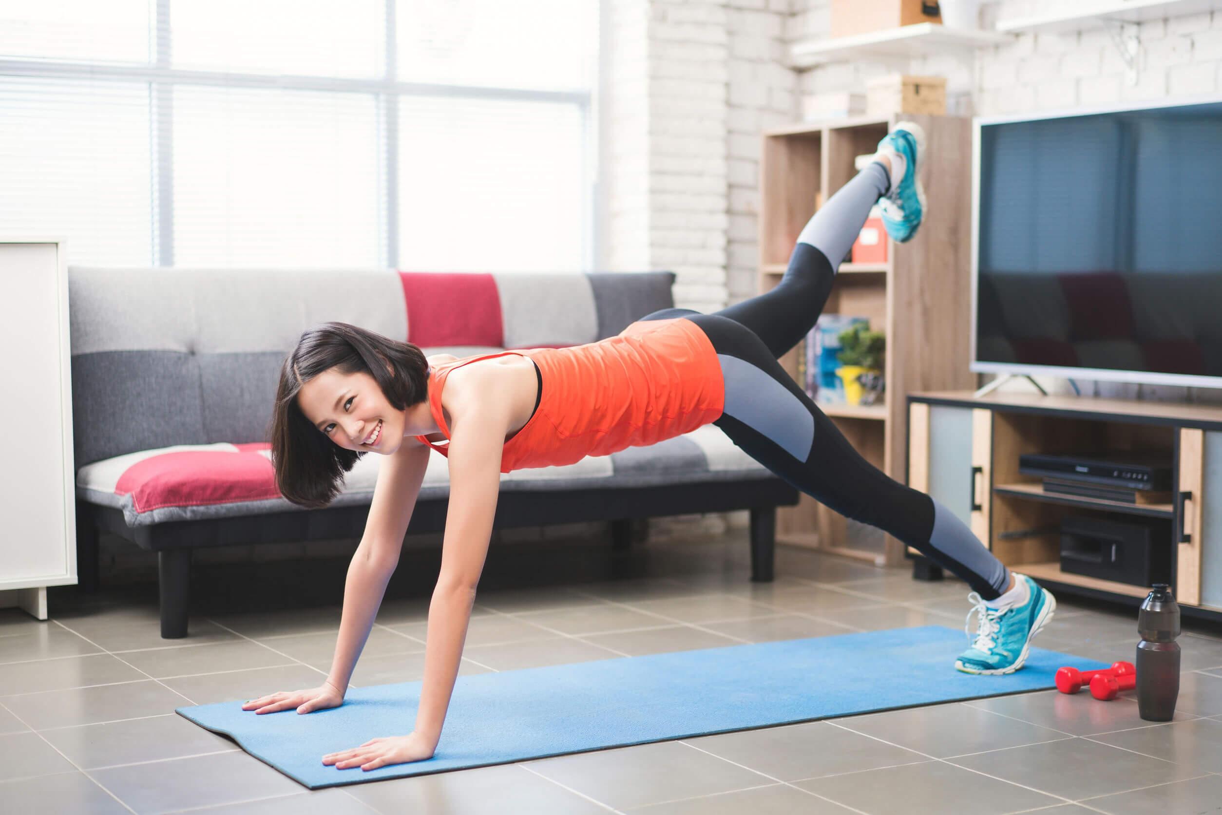 La flexibilidad puede ser útil para practicar yoga.