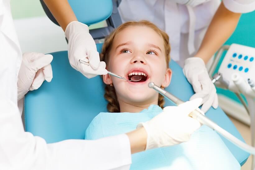 Por qué promover la revisión dental en los niños