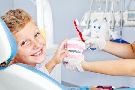 Cómo garantizar la salud bucal de los niños