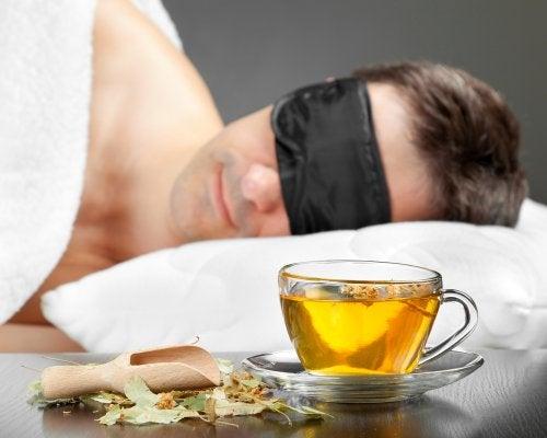 Cómo se preparan las infusiones para dormir