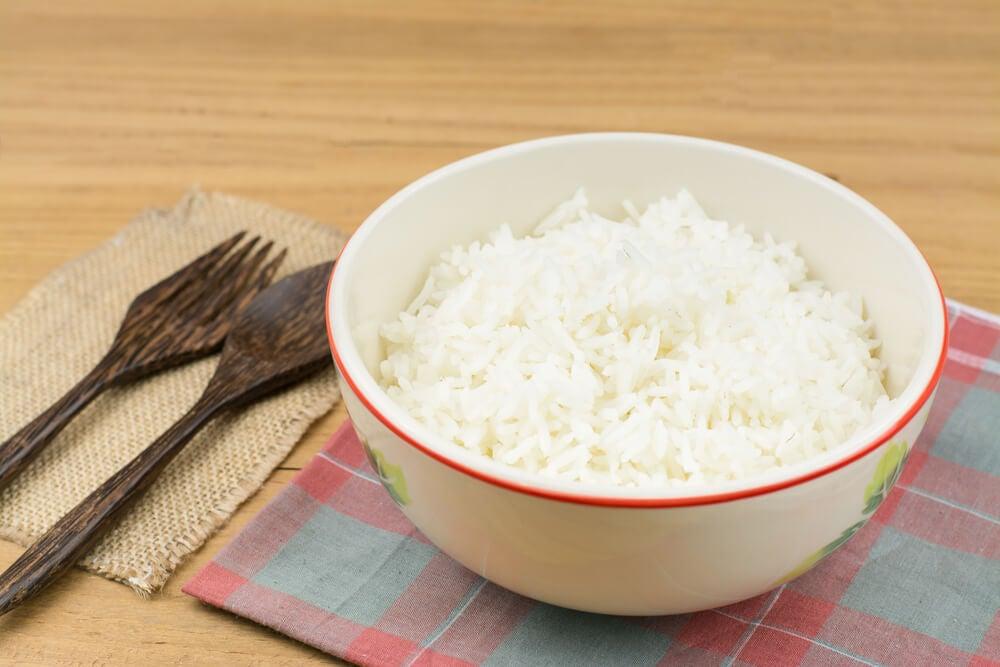 Comer arroz de manera saludable