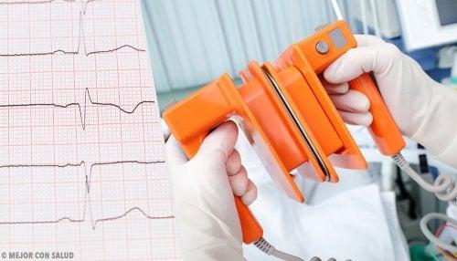 Desfibrilación y cardioversión eléctrica