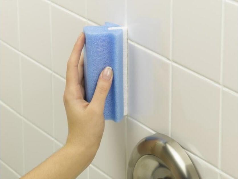 La ducha y los azulejos