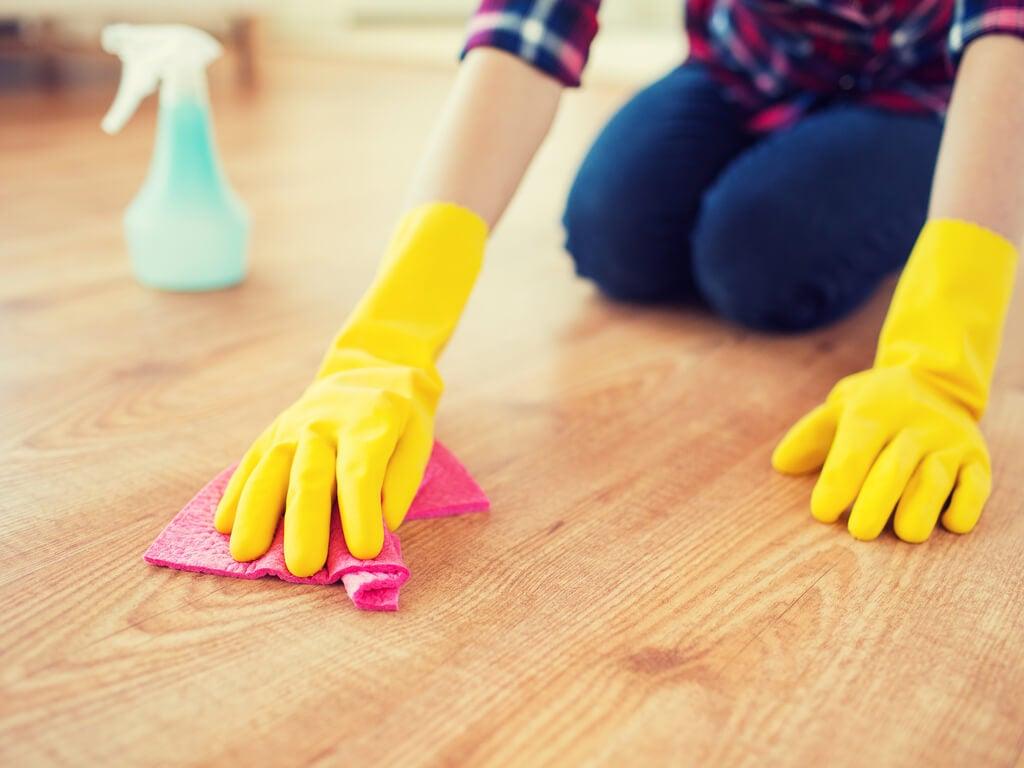 Limpia enérgicamente
