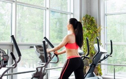 El ejercicio es la base para ganar masa muscular.