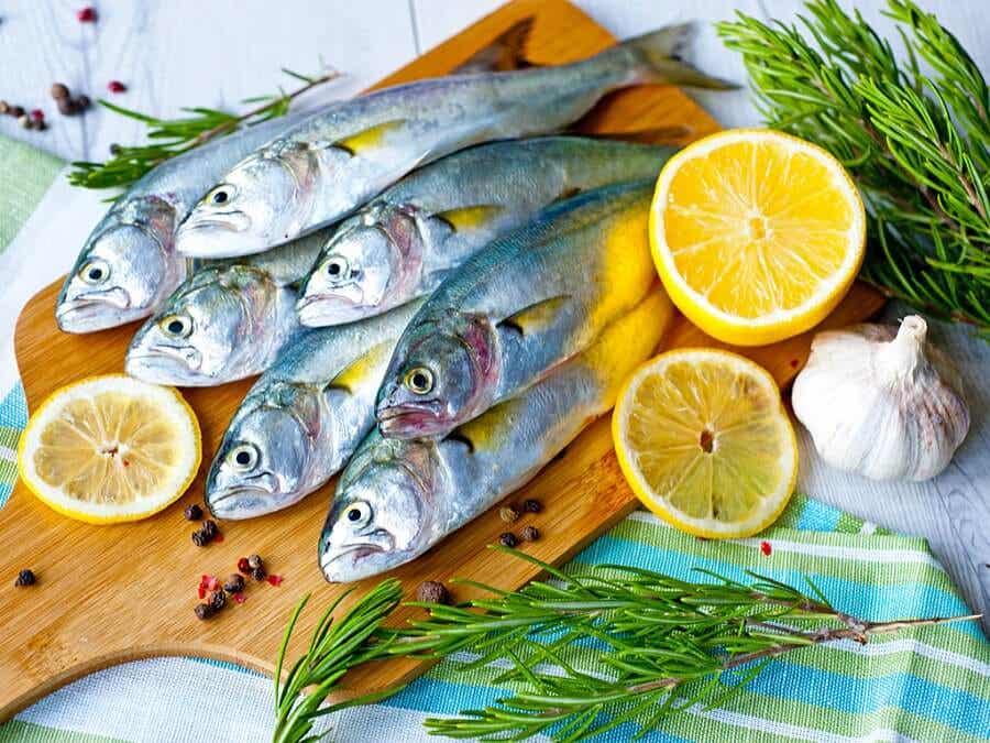 El pescado azul contribuye a la formación de colágeno