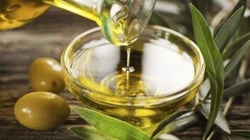 Usa aceite de oliva contra la hipertensión