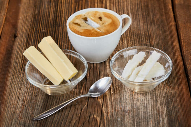 Café con ghee y estevia: una deliciosa combinación para el desayuno